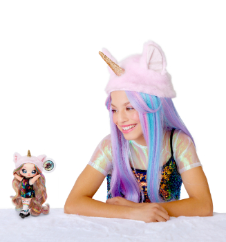 564737 Na Na Na Surprise Pom Doll BTY 0278